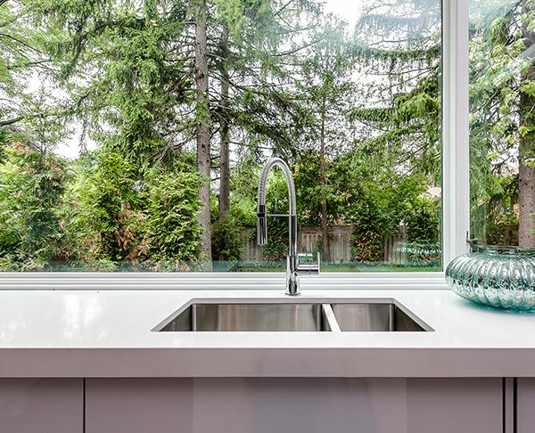 kitchen countryside white countertop